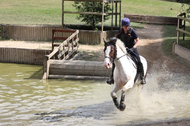 Raff in the water jump