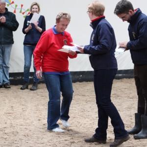 Sue receiving long service certificate